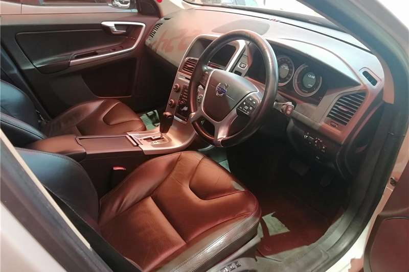 Volvo XC60 D3 Geartronic 2012