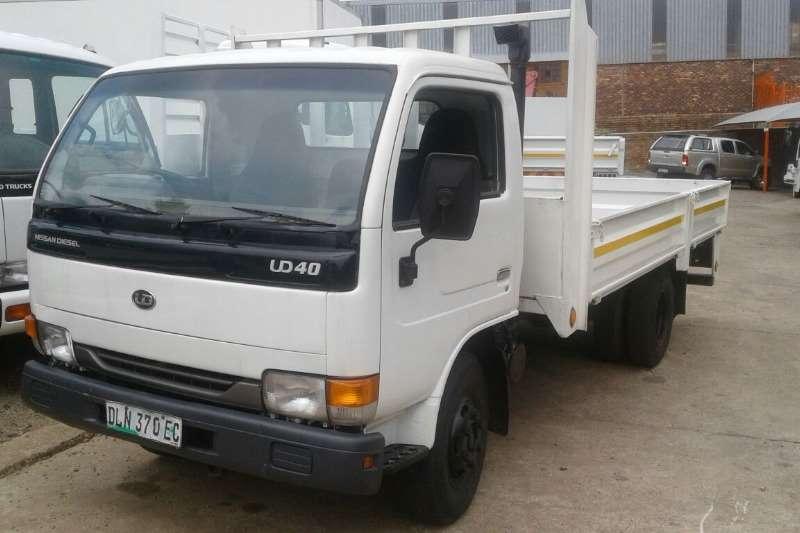 Nissan UD40