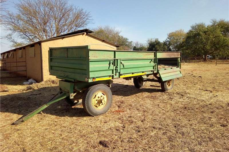 Carts and wagons Agricultural Trailer Agricultural trailers