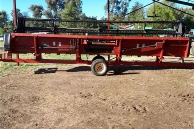 Carts and wagons CASE 1020 25FT FLEXIHEAD MET TAFELKAR Agricultural trailers