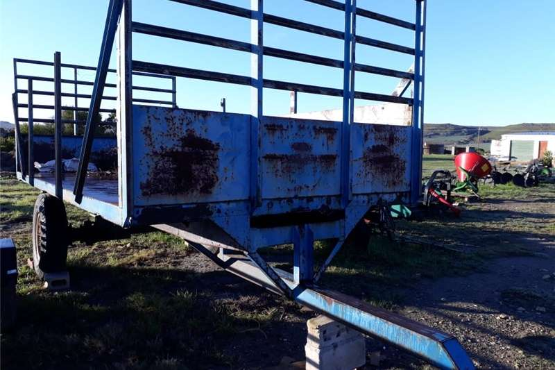 Carts and wagons FARM WAGON FOR SALE R15K  5 M IN LENGHT AND 2.4 M Agricultural trailers