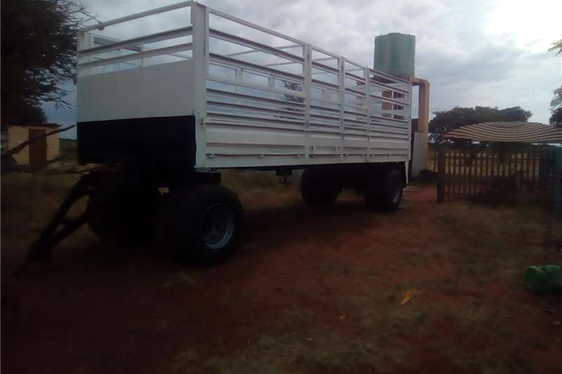 Cattle trailers 7.2 meter drawbar cattle trailer Agricultural trailers