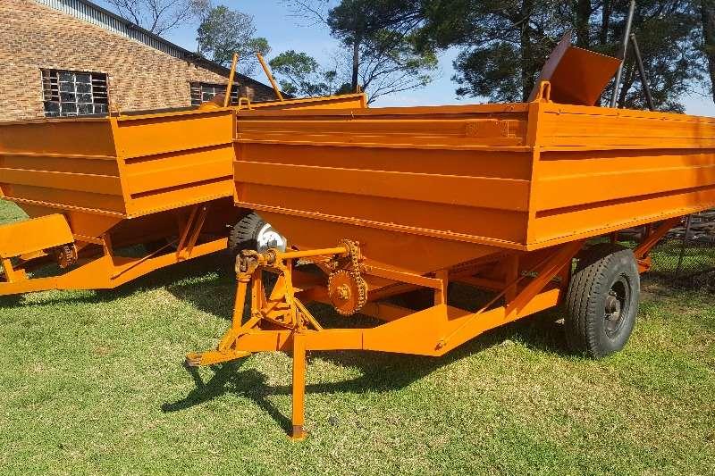 Grain trailers 2 vetsak oorlaaiwaens Agricultural trailers