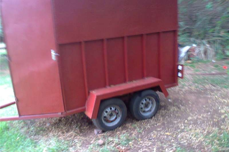 Agricultural Trailers Livestock Trailers HORSEBOX 2 BETH