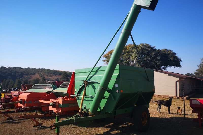 Other agricultural trailers 2 x de bulking trailers Agricultural trailers