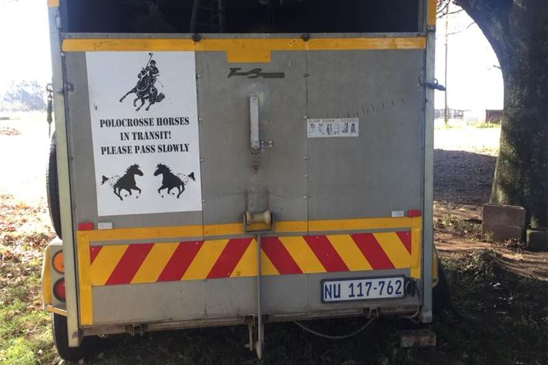 Other agricultural trailers HORSE BOX. Big enough for your COW Agricultural trailers