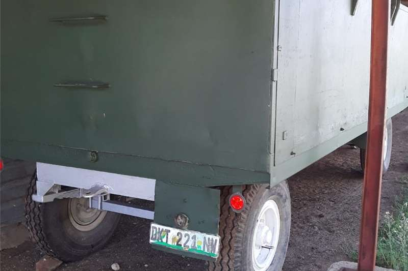 Other agricultural trailers Twee 10 ton massa waens te koop Agricultural trailers