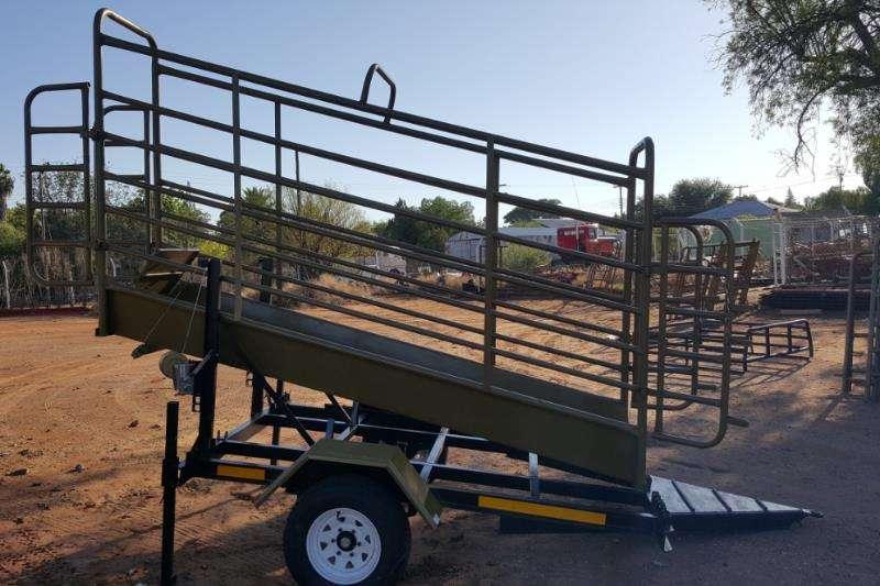 Ystervark Cattle trailers YSTERVARK MOBIELE BEES LAAIBANK Agricultural trailers