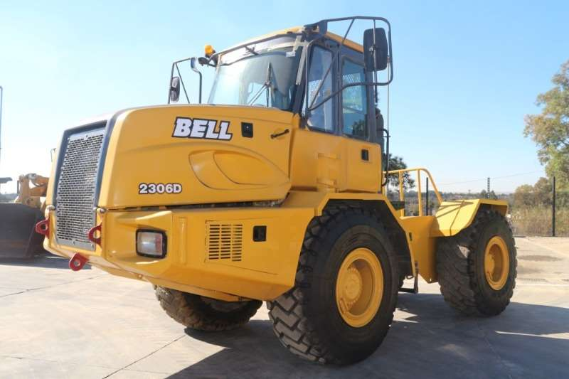 Bell Tractors 2306D Tow Tractor 2003