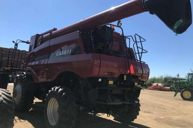 Case 6130 Axial Flow Combine Harvestor Combine harvesters and harvesting equipment