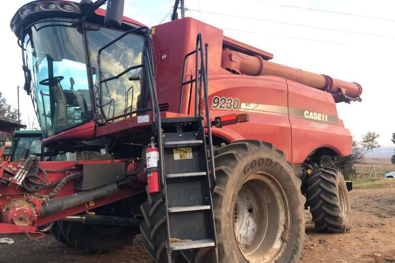 Case Combine Harvesters and Harvesting Equipment Case 9230 2013