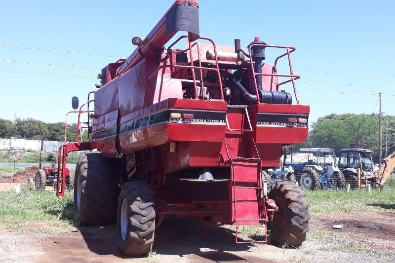 Case CASE INTERNATIONAL HARVESTER Combine harvesters and harvesting equipment
