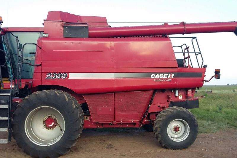 Case Combine Harvesters and Harvesting Equipment Grain Harvesters Case 2399