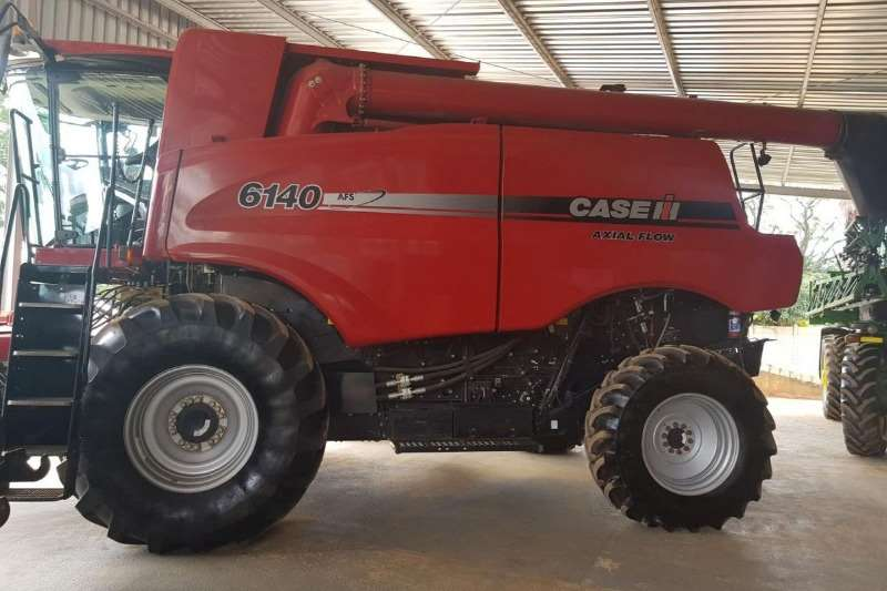 Case Combine Harvesters and Harvesting Equipment Grain Harvesters Case 6140 2016