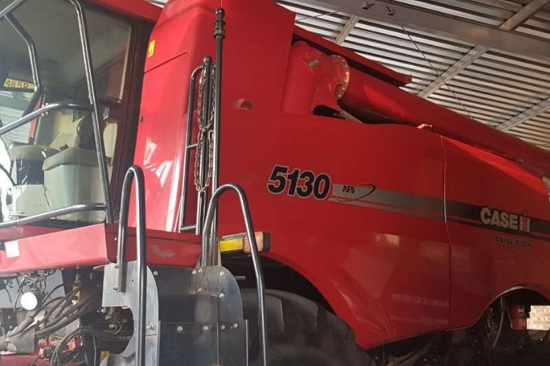 Case Combine Harvesters and Harvesting Equipment Grain Harvesters Case IH 5130 2013