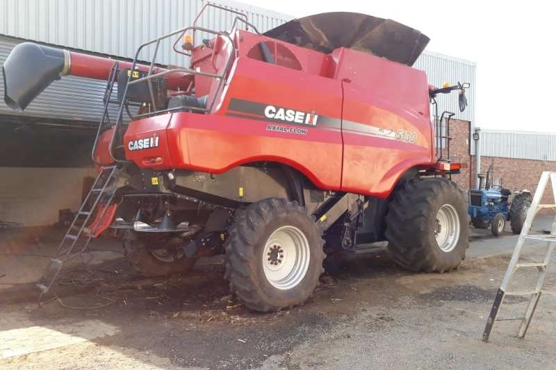 Case Grain harvesters Case IH 5130 Combine harvesters and harvesting equipment
