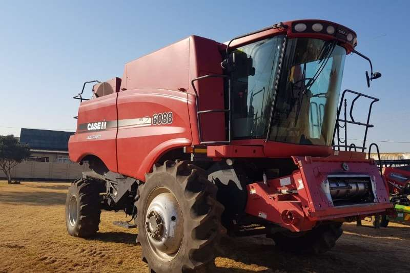 Case Combine Harvesters and Harvesting Equipment Grain Harvesters Case IH 6088 2012