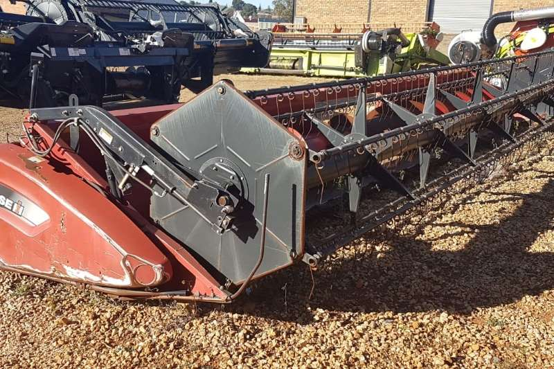 Case Combine Harvesters and Harvesting Equipment Maize Heads Case 1020 Flex