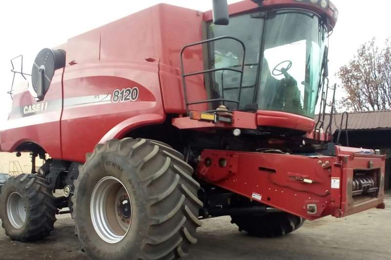 Case Combine Harvesters and Harvesting Equipment Maize Heads Case 8120 2012