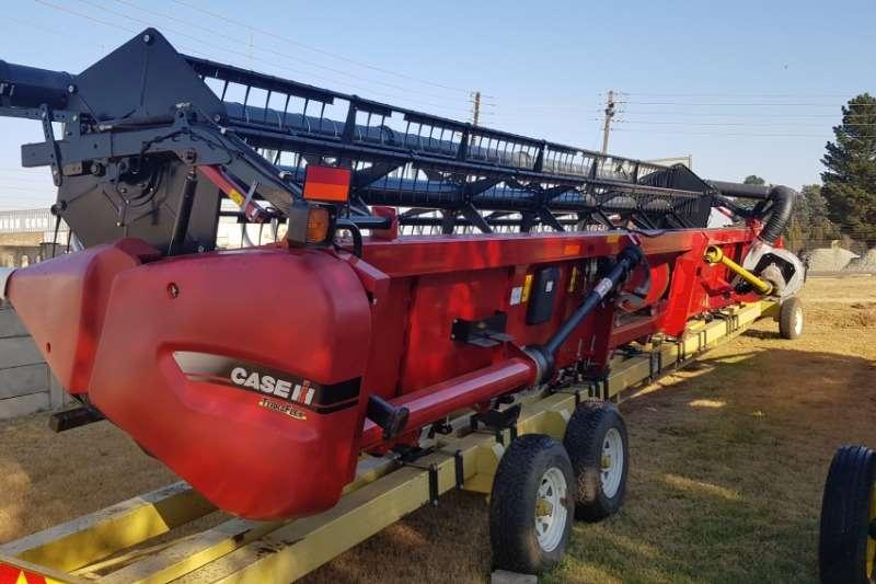 Case Wheat heads 2017 Case 3020 30voet Terraflex tafel Combine harvesters and harvesting equipment