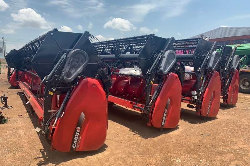 Case Wheat heads New Case 3020 Terraflex Heads. 30 ft Combine harvesters and harvesting equipment