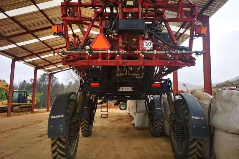 Case Boom sprayers Case IH 3330 Patriot Sprayers and spraying equipment