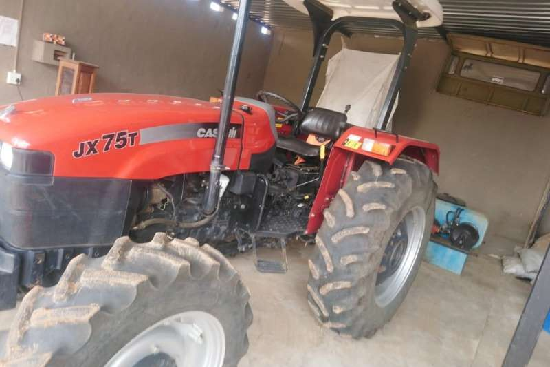 Case Four wheel drive tractors Case IH JXT 75 Tractors