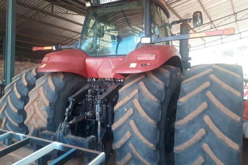 Case Four wheel drive tractors Case IH Magnum 310 Tractors