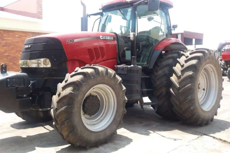 Case Four wheel drive tractors Case IH Puma 210 Tractors