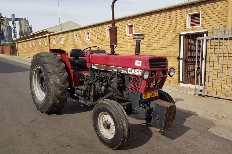 Case Two wheel drive tractors Case IH 685A Tractors