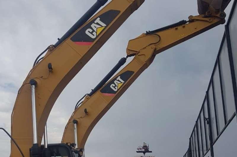 CAT CAT 320 D2L Excavator