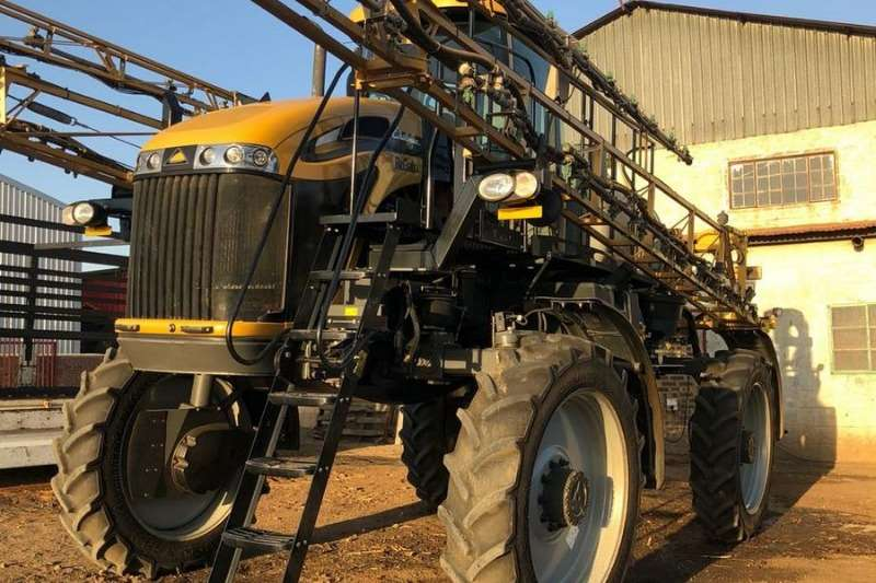 CAT Sprayers and Spraying Equipment Boom Sprayers Challnger RG 700 2014