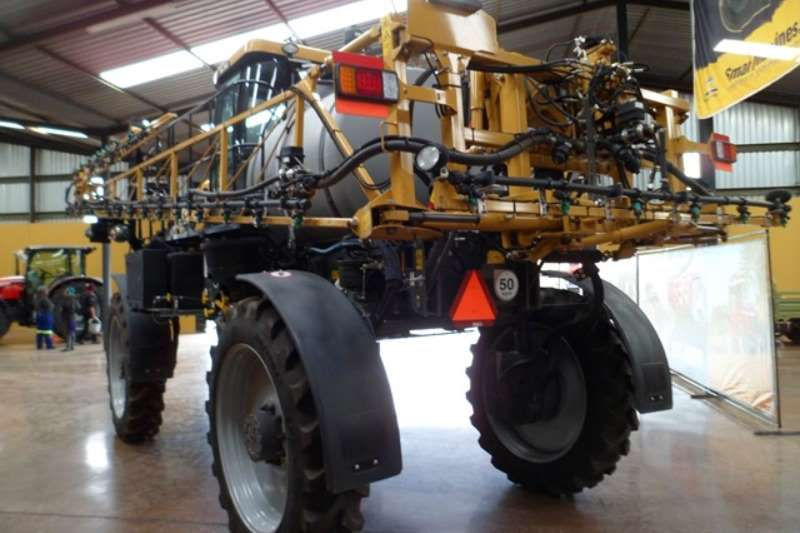 CAT Tractor mounted sprayers Caterpillar Challenger RG700 Crop Sprayer Sprayers and spraying equipment
