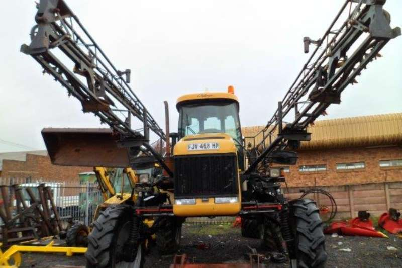 CAT Tractor mounted sprayers Caterpillar Challenger Spra Coupe 7660 Crop Spraye Sprayers and spraying equipment