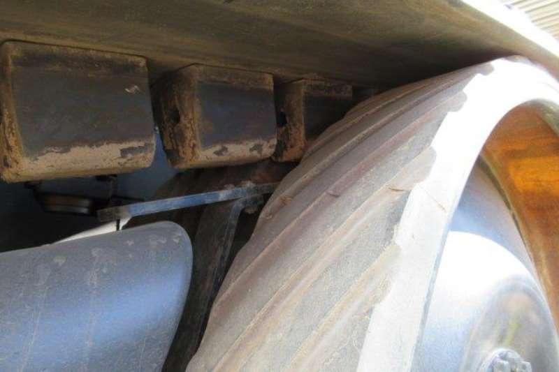 Challenger Utility tractors Challenger MT765C Tracked Tractor Tractors