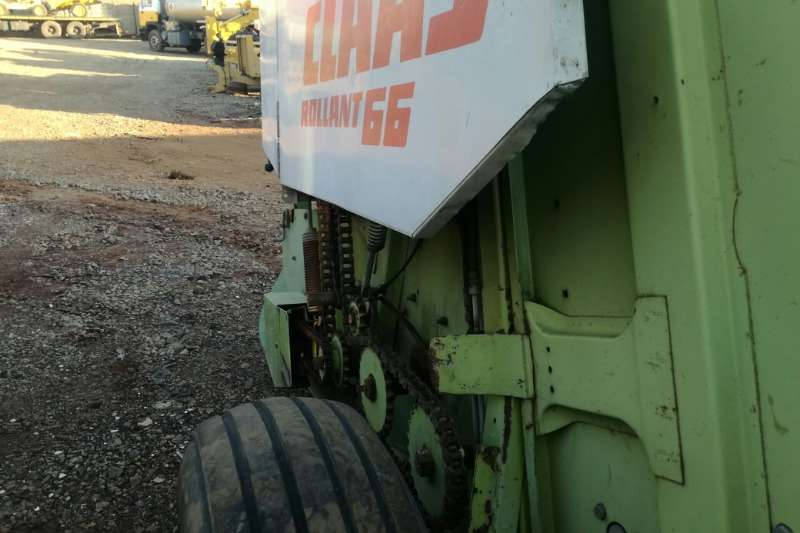Claas Baler Claas Rollant 66 Combine harvesters and harvesting equipment