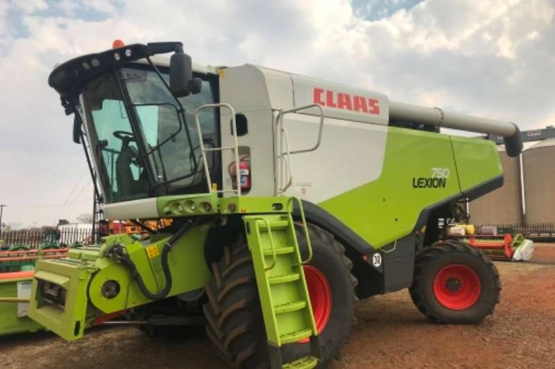 Claas Grain harvesters Lexion 750 Combine harvesters and harvesting equipment