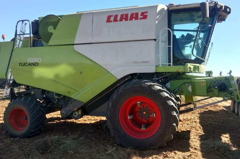 Claas Combine Harvesters and Harvesting Equipment Grain Harvesters Tucano 580 2017