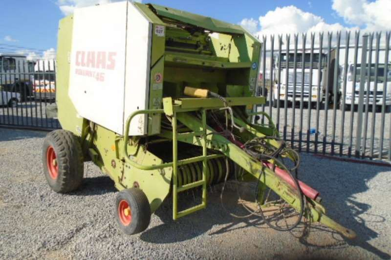Claas Hay and Forage Rollant 46 S/A Bailer
