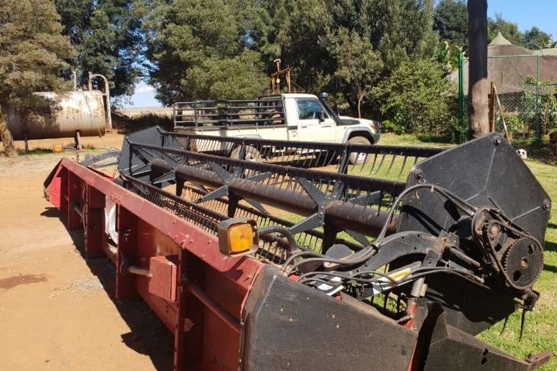 Case Grain harvesters Case 1020 Combine harvesters and harvesting equipment