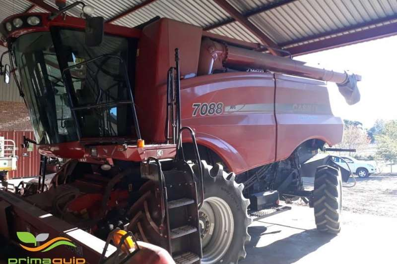Combine Harvesters and Harvesting Equipment Case Grain Harvesters Case 7088 2010