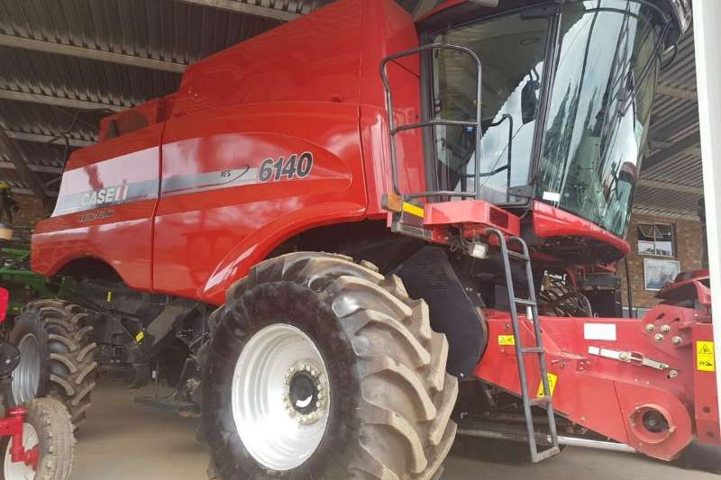 Case Grain harvesters Case IH 6140 Combine harvesters and harvesting equipment