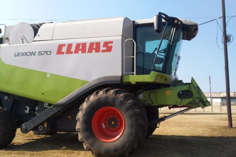 Combine Harvesters and Harvesting Equipment Claas 2009 Claas Lexion 570 2009