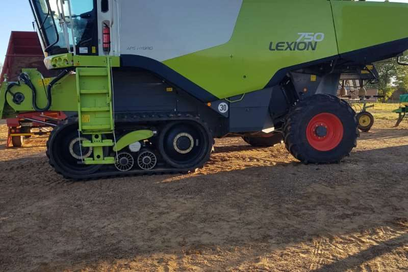 Claas Claas Lexion 750 Combine harvesters and harvesting equipment