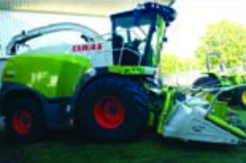 Combine Harvesters and Harvesting Equipment Claas Forage Harvesters 940 Forage Harvester 2015