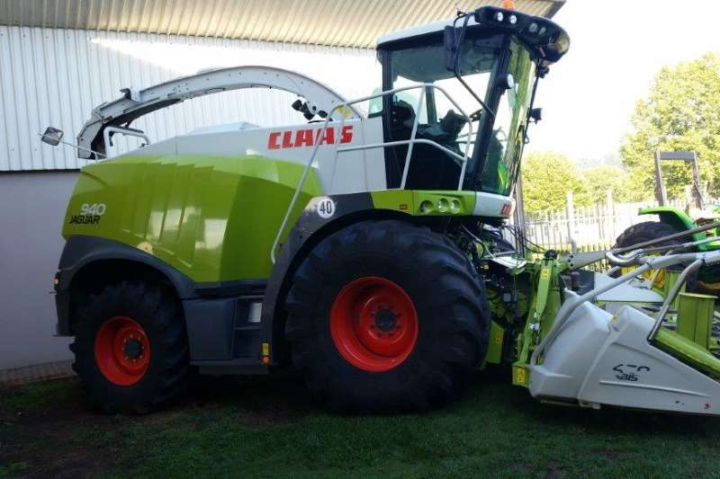 Combine Harvesters and Harvesting Equipment Claas Forage Harvesters 940 Forage hvster 2015
