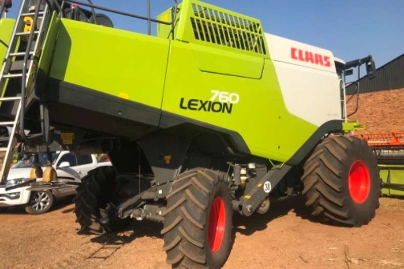 Combine Harvesters and Harvesting Equipment Claas Grain Harvesters Lexion 760 2013