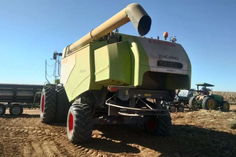 Claas Grain harvesters Tucano 580 Combine harvesters and harvesting equipment