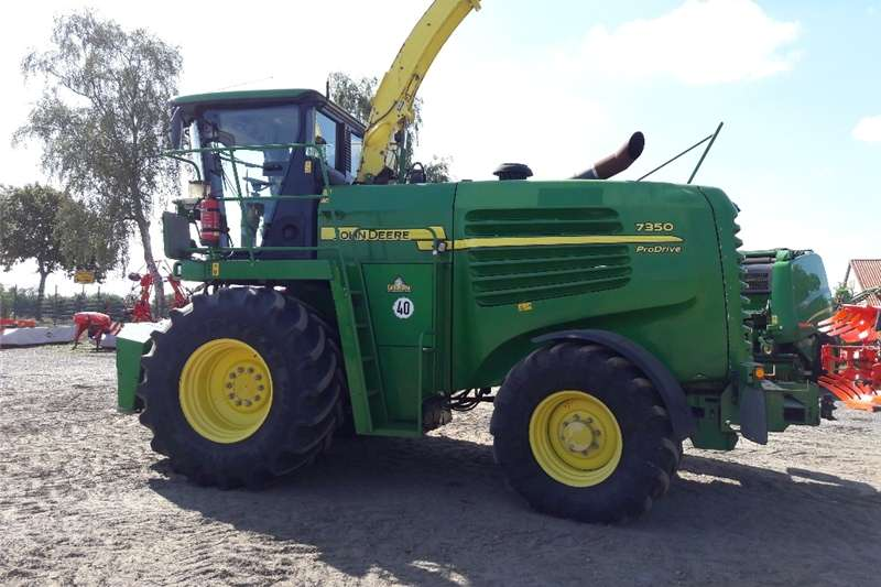 Combine Harvesters and Harvesting Equipment Forage Harvesters Kuilvoer Kerwer Stroper/Forage harvester John Deer 2009