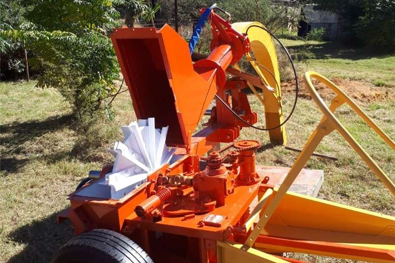 Forage harvesters PREMIUM FLEX HARVESTERS, ROLLS ROYCE OF HARVESTERS Combine harvesters and harvesting equipment